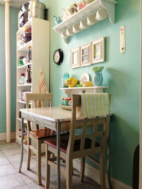 ergonomische tische f r kleine k chen. Black Bedroom Furniture Sets. Home Design Ideas