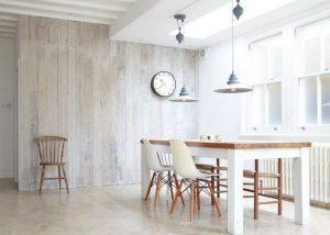 Uso del rivestimento all 39 interno di una casa di campagna for Interno di una casa