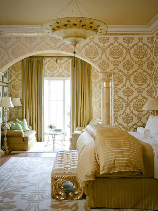 Goldenes Schlafzimmer, Interieur von Luxus und Glamour ...